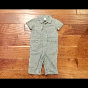 GAP One Pieces - Boys BABY GAP gray/white striped coveralls 12-24M